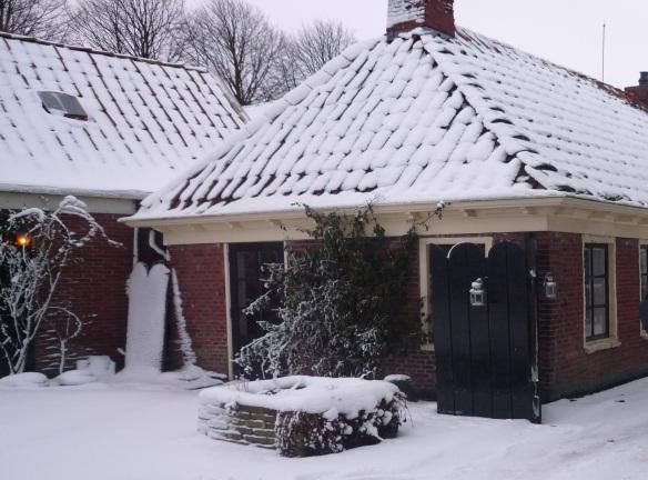 Lutje Hoeske in de sneeuw